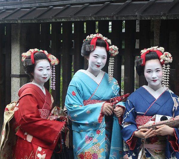 geisha-949978_1280